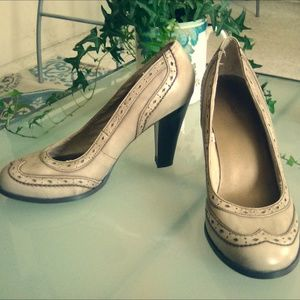 Mossimo block heel pumps, size 8.5
